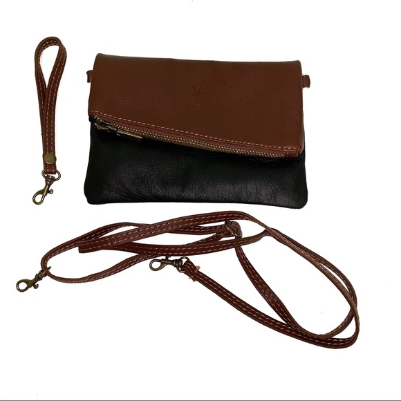 Vera Pelle Handbags - Vera Pelle Italian Leather Crossbody/Wristlet Bag